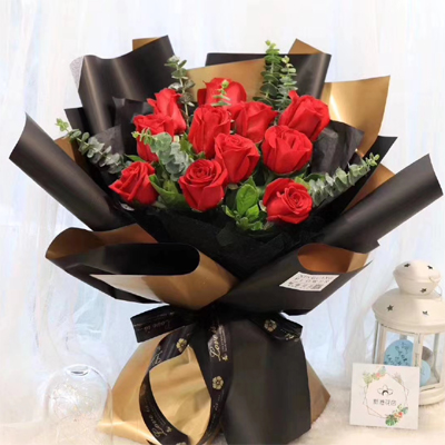 11 red roses to city